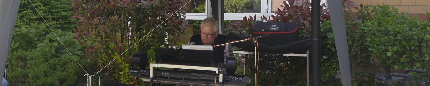 GartenKONZERT – Musikalischer Nachmittag mit Josef Brüning
